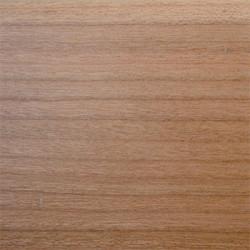 Плинтус вишня  58х19х2500